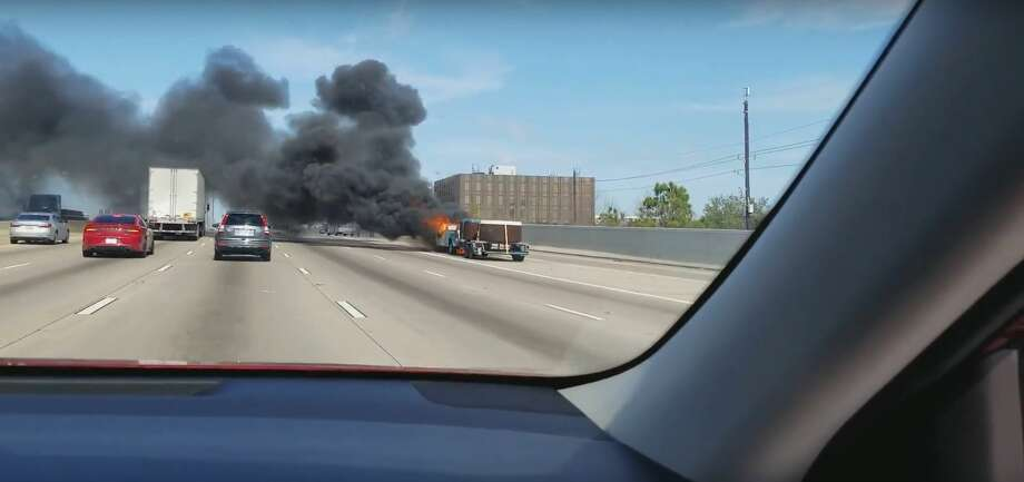 A pickup truck fire caused a minor headache for driver on Loop 610 West in Bellaire Monday afternoon. Photo: Scott Thornton