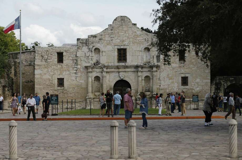 Among the sites currently with, or eligible for viewshed protection is The Alamo (Mission San Antonio de Valero). Click through to see which other popular San Antonio sites are included in that group. Photo: Kin Man Hui /San Antonio Express-News / ©2017 San Antonio Express-News