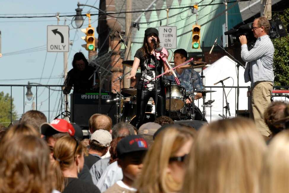 Lunic performs at LarkFest 2009 in Albany, New York, 9/19/2009, while crew from