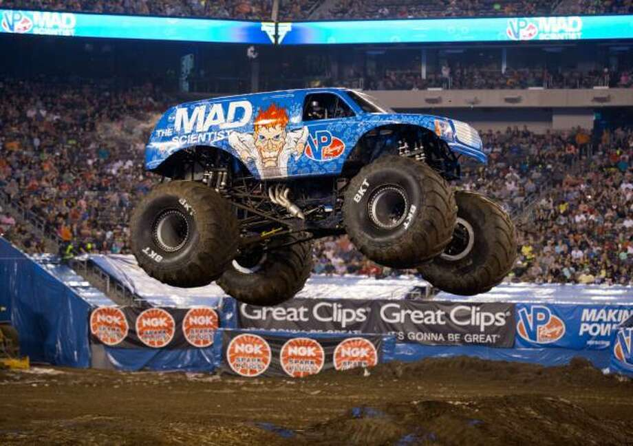 VP Racing Fuels' Mad Scientist monster truck driven by Lee O'Donnell Photo: Feld Entertainment /