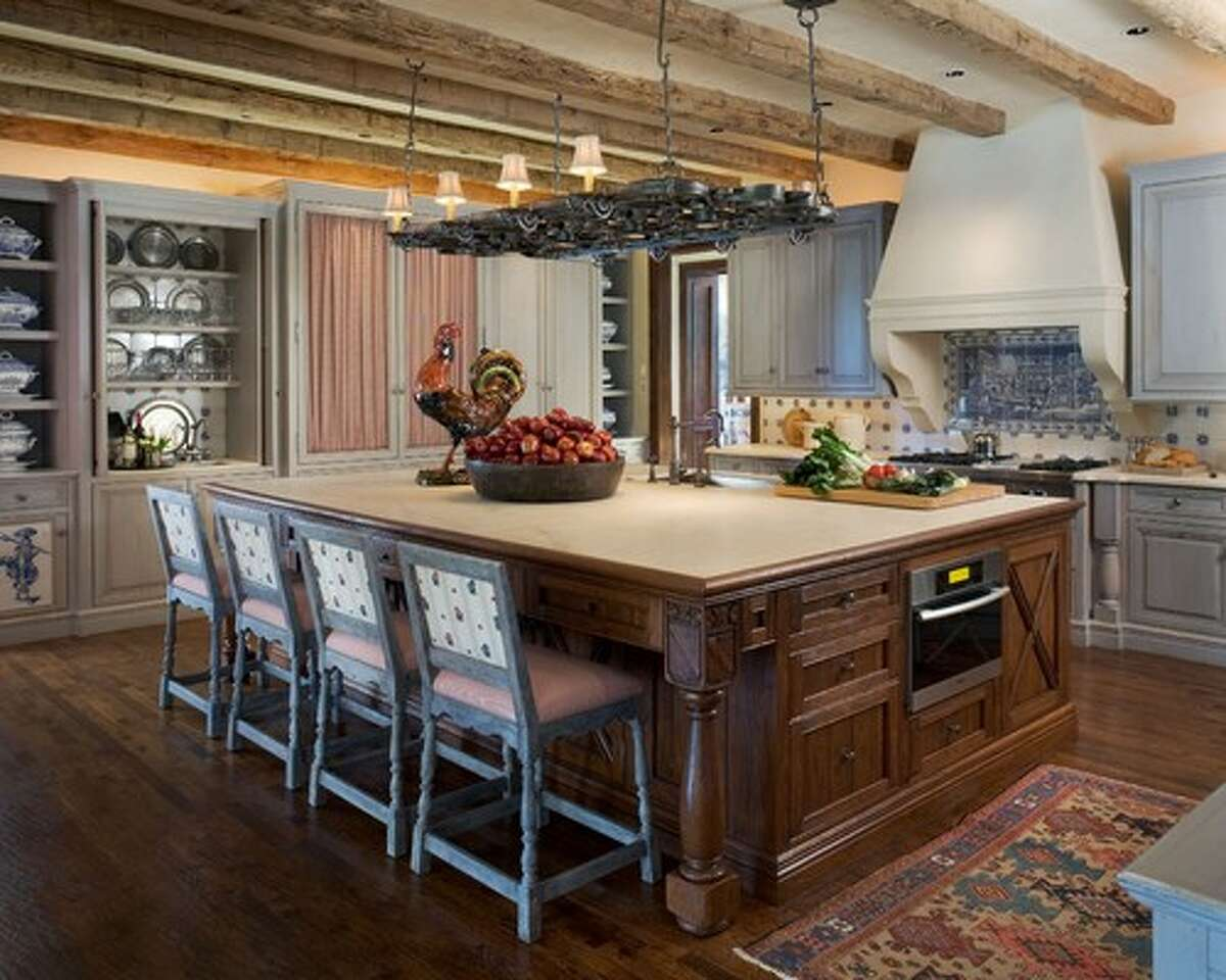 Enormous islands Kitchen islands are still all the rage, but building one that's way too big is a mistake.