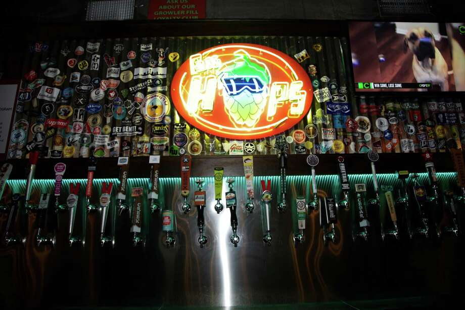 Big Hops, a craft beer bar with multiple San Antonio locations, is closing its downtown location near the Hays Street Bridge after service on Saturday night. Photo: Express-News File Photo