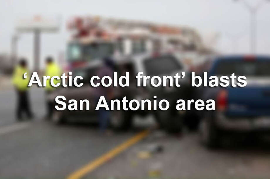 From violent collisions to icicles and mass closures, San Antonio woke up to a frigid morning Tuesday, Jan 16, 2018. Photo: SAEN