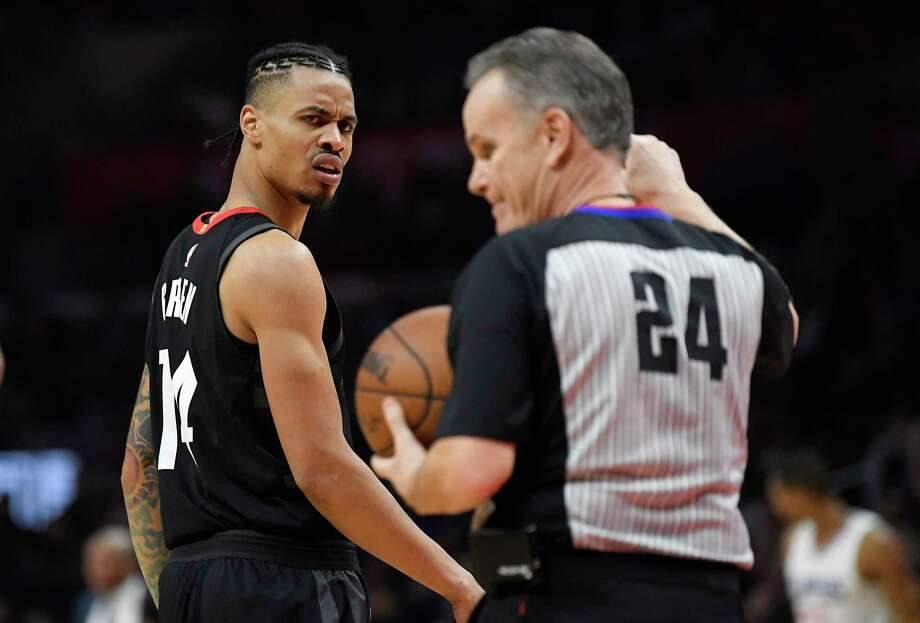 Houston Rockets guard Gerald Green, left, looks at referee Mike Callahan after receiving a technical foul during the second half of an NBA basketball game against the Los Angeles Clippers, Monday, Jan. 15, 2018, in Los Angeles. The Clippers won 113-102. (AP Photo/Mark J. Terrill) Photo: Mark J. Terrill, STF / Copyright 2018 The Associated Press. All rights reserved.