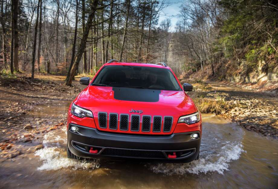 Jeep is giving the Cherokee compact SUV a major face-lift so it can better compete in one of the hottest parts of the U.S. automotive market. The 2019 Cherokee, unveiled Tuesday at the Detroit auto show, gets styling tweaks, a new engine, suspension improvements and engineering changes that save 200 pounds and improve gas mileage over the current model. Photo: FCA US LLC/© 2017 FCA US LLC