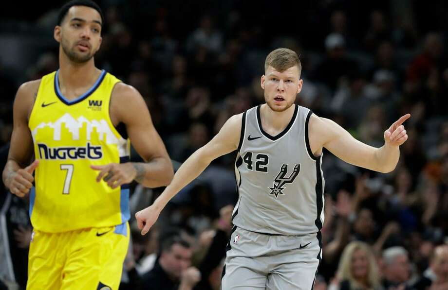 San Antonio Spurs forward Davis Bertans (42) reacts after scoring Denver Nuggets during the first half of an NBA basketball game Saturday, Jan. 13, 2018, in San Antonio. Photo: Eric Gay /AP Photo