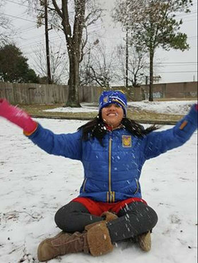 One of the ways Houston is coping with the frigid temperature and ice is by sharing photos on social media. Photo: Adriana Martinez