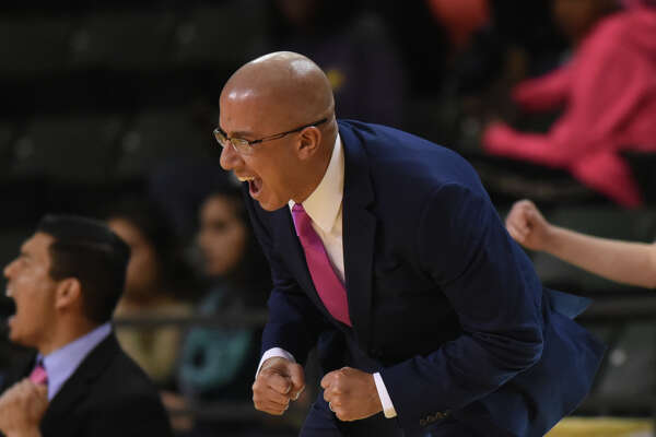Midland High girls basketball head coach Wes Torres reacts during a game against  Lee on Jan. 16, 2018, at Chaparral Center.  James Durbin/Reporter-Telegram