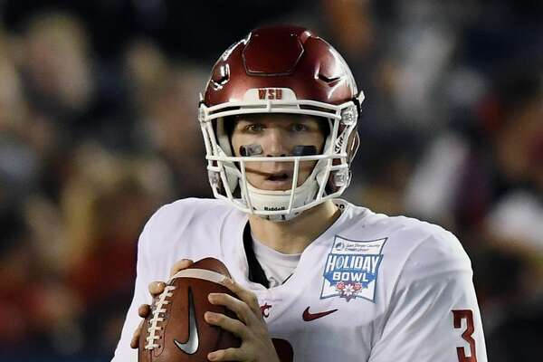 SAN DIEGO, CA - DECEMBER 28: Washington State Cougars quarterback Tyler Hilinski (3) back to pass in the fourth quarter of the Holiday Bowl played against the Michigan State Spartans, on December 28, 2017, played at SDCCU Stadium in San Diego, CA. (Photo by John Cordes/Icon Sportswire via Getty Images)