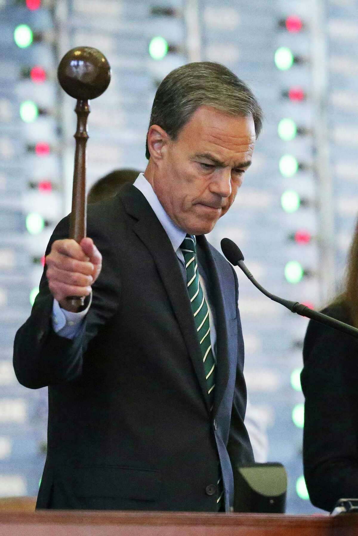 Speaker Joe Straus gavels in another defeated vote for amending proposed property tax law as legislators convene on Saturday to work on remaining bills at the State Capitol on August 12, 2017.