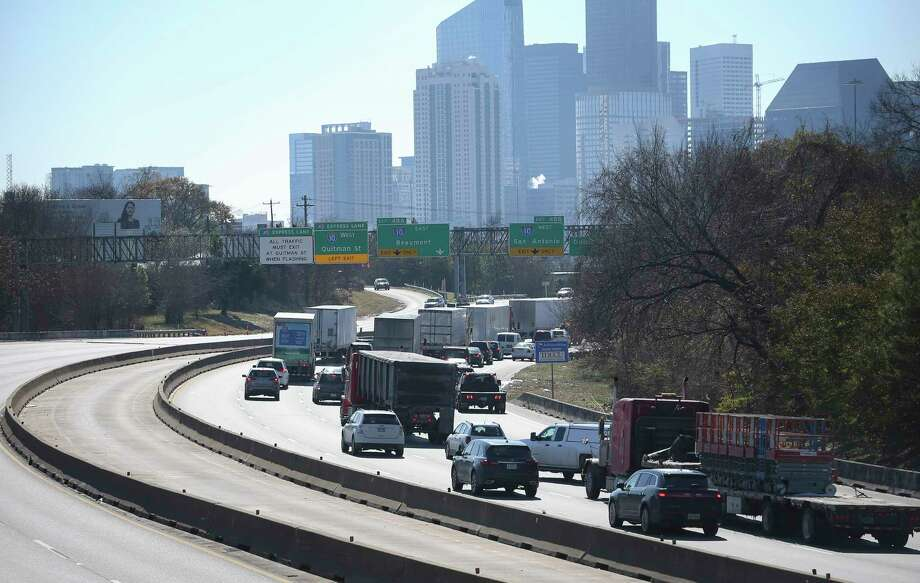 Interstate-45 southbound traffic is slowed down near the Interstate-10 ramps on Wednesday, Jan. 17, 2018, in Houston.Swipe through to see reader photos submitted during winter storm Inga. Photo: Yi-Chin Lee, Houston Chronicle / © 2018  Houston Chronicle