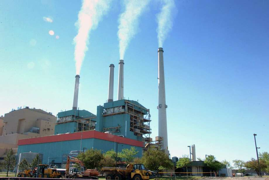 Connecticut and New York have filed a lawsuit against the federal Environmental Protection Agency, over the Trump administration's alleged failure to enforce ozone-pollution requirements from Midwestern power plants. Photo: Matt Brown / Associated Press / AP