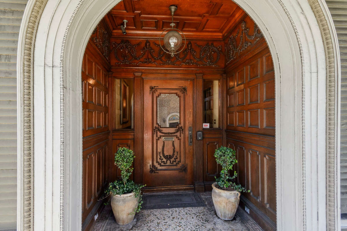 A grand Victorian at 1701 Franklin in San Francisco's Pacific Heights neighborhood sold on Feb. 27, 2018, for $7 million.