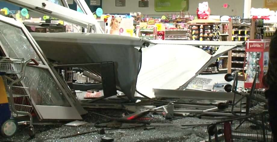Burglars got away with an ATM machine in a smash-and-grab at a CVS, police say. Photo: Metro Video