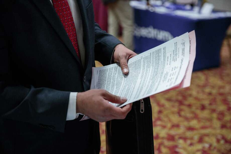 New claims for unemployment benefits reached their lowest level in 45 years during the second week of January 2018, according to data adjusted for seasonal job considerations by the U.S. Department of Labor. Photo: Sarah Blesener / Bloomberg / © 2017 Bloomberg Finance LP