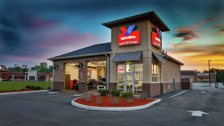Publicly traded Valvoline plans to grow its Valvoline Instant Oil Change brand in the Houston market. Photo: Valvoline