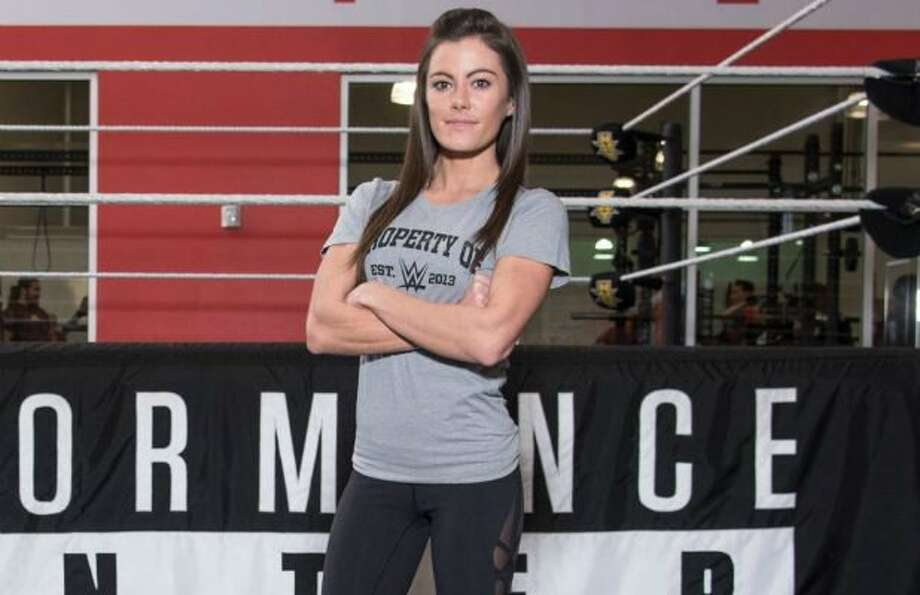 Catanzaro, the first woman to complete the American Ninja Warrior 