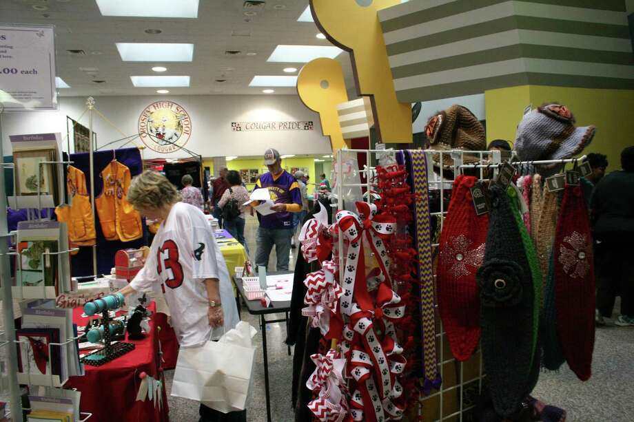 The Crosby-Huffman Chamber of Commerce puts on a Craft and Consumer Expo annually, drawing in hundreds of people. Photo: Nate Brown / Internal