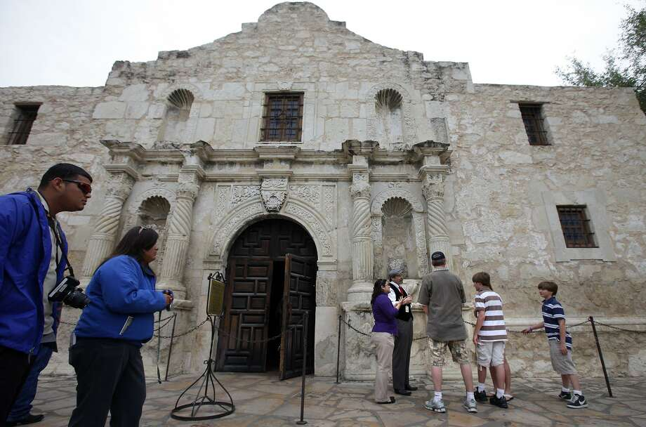 The day-to-day operations at the Alamo rests with the nonprofit Alamo Trust, whose board has agreed to open meetings. This is a good move and a suggestion that its employees become state employees also merits consideration. Photo: KIN MAN HUI /SAN ANTONIO EXPRESS-NEWS / San Antonio Express-News