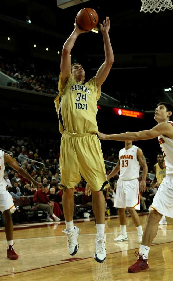 Georgia Tech's Brad Sheehan shoots against USC on Dec. 22, 2008, at the Galen Center in Los Angeles. (Stephen Dunn/Getty Images) Photo: Stephen Dunn / 2008 Getty Images