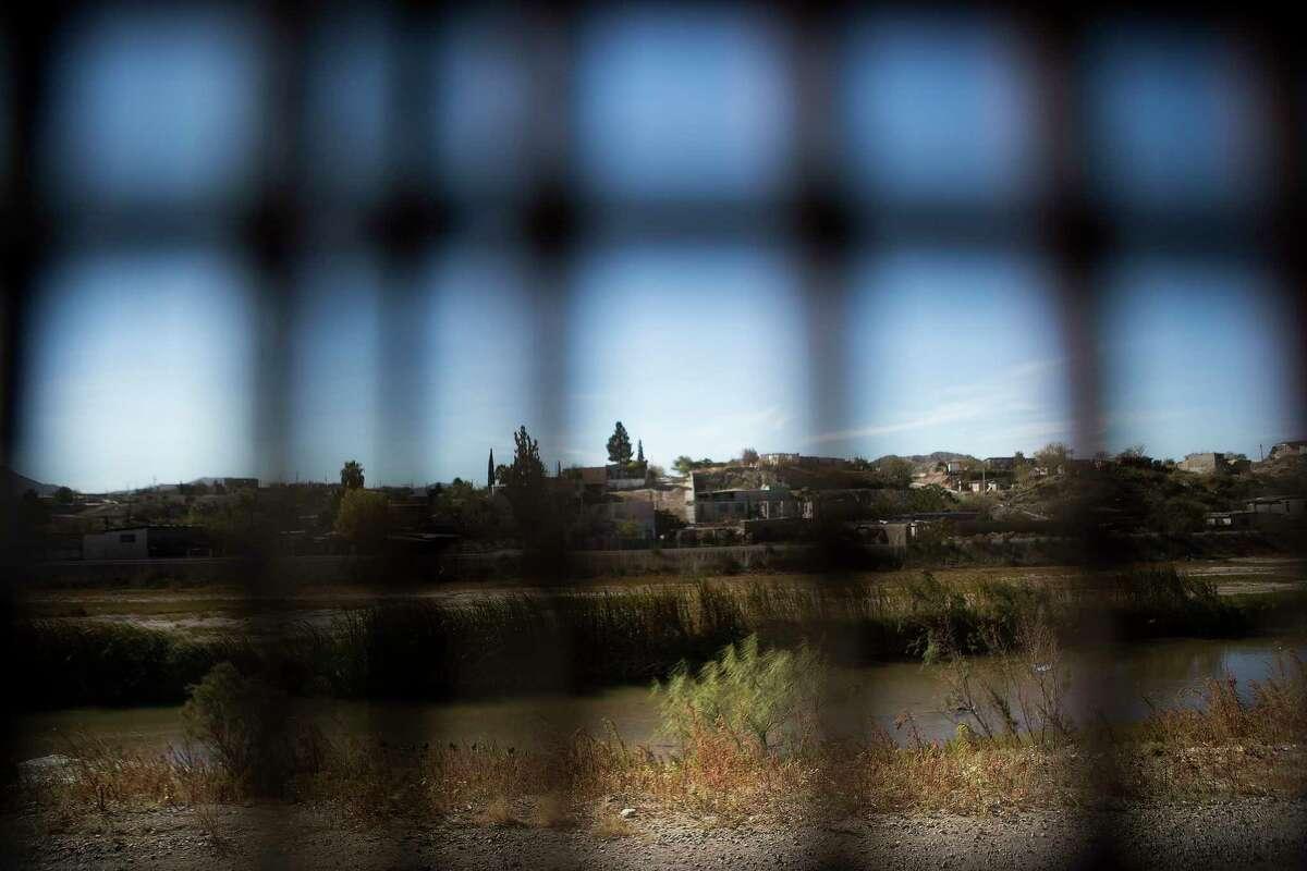 View of Juarez, Mexico through the border fence from El Paso, Texas, Tuesday, Nov. 28, 2017. ( Marie D. De Jesus / Houston Chronicle )