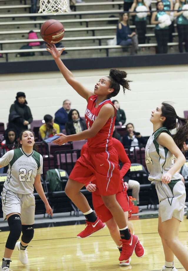Nadia Wilson gets an uncontested layup for Antonian as her team plays Incarnate Word in girls basketball at Littleton Gym on January 18, 2018 Photo: Tom Reel, Staff / San Antonio Express-News / 2017 SAN ANTONIO EXPRESS-NEWS