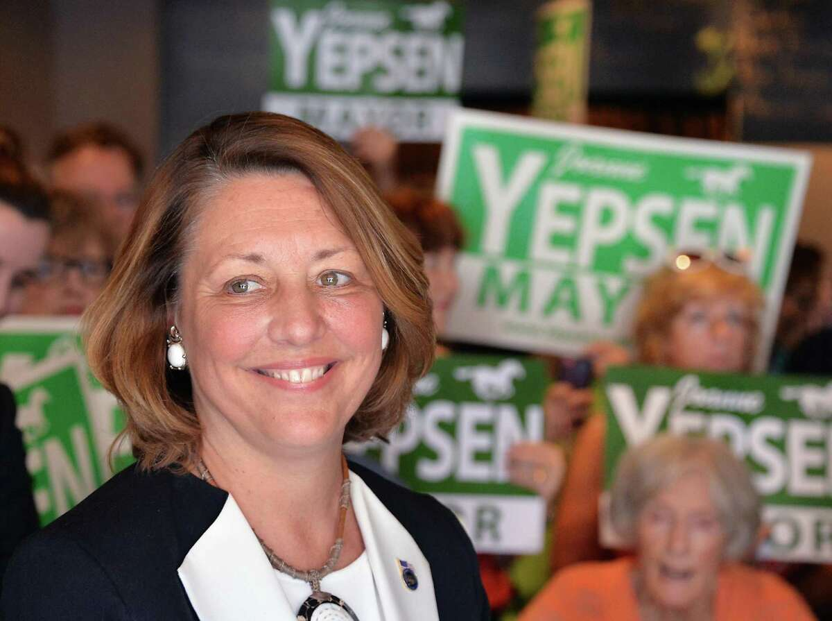 Former Saratoga Springs Mayor Joanne Yepsen announces her re-election campaign at a news conference Thursday May 28, 2015 in Saratoga Springs, NY. (John Carl D'Annibale / Times Union)