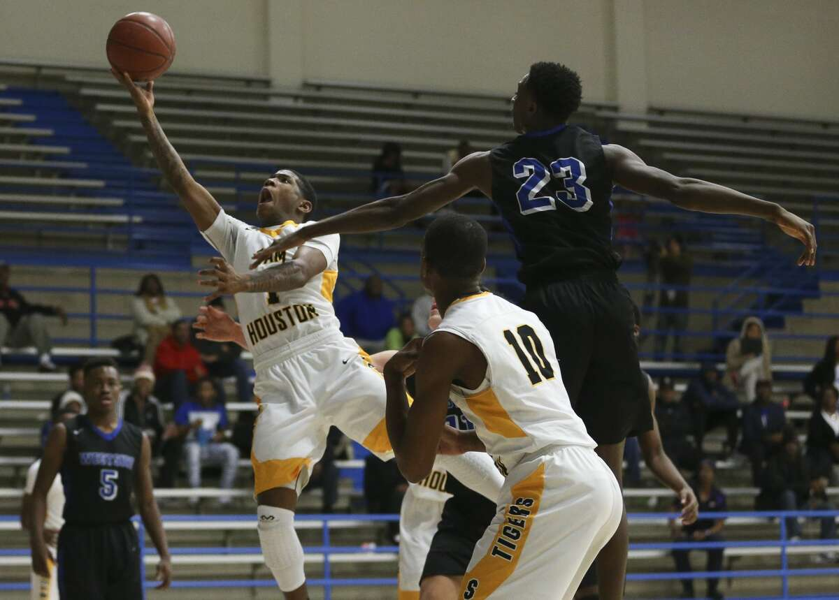 HOUSTON'S TOP HIGH SCHOOL BASKETBALL RECRUITS (CLASS OF 2018) 2. Kendric Davis, 5-11, point guard, Sam Houston Signed with TCU