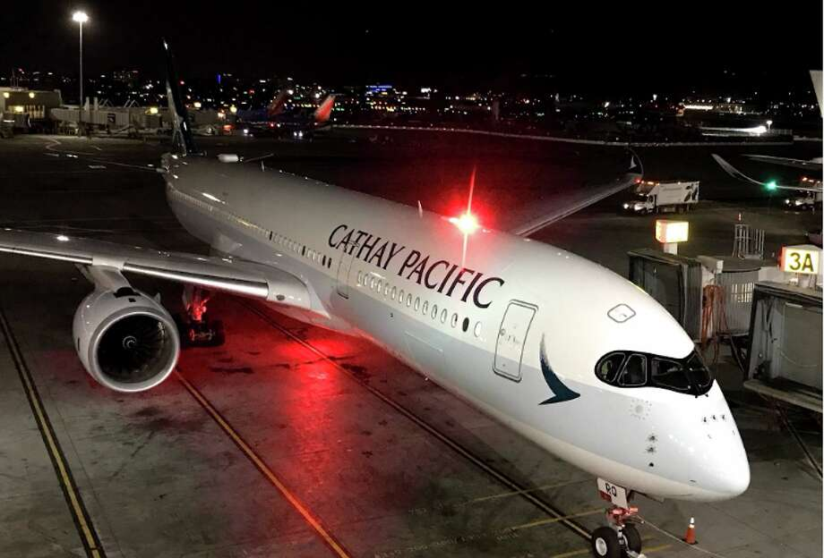 A brand new Cathay Pacific A350 arrives at SFO from Hong Kong Photo: Chris McGinnis
