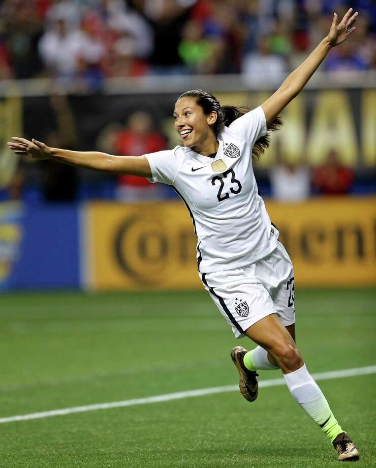 U.S. national team star Christen Press will play her club games with the Dash in 2018 after a blockbuster trade on January 18 that saw Carli Lloyd leave Houston. Photo: Edward A. Ornelas, San Antonio Express-News / © 2015 San Antonio Express-News