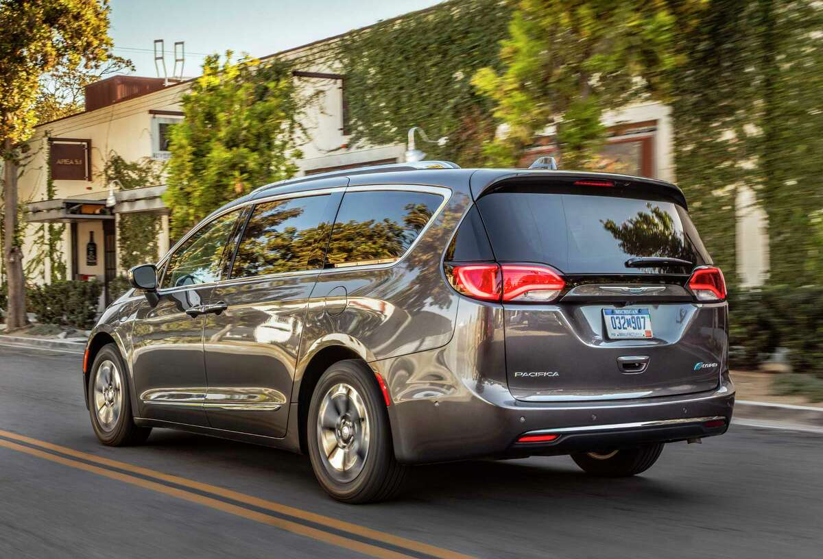 As the industry's first electrified minivan, the 2018 Pacifica Hybrid pairs a specially modified version of the upgraded 3.6-liter V-6 gasoline engine that features an Atkinson cycle combustion system with an innovative dual-motor electrically variable transmission. Total system horsepower is 260, with an estimated range of 30 miles solely on electric power from a 16-kWh lithium-ion battery.