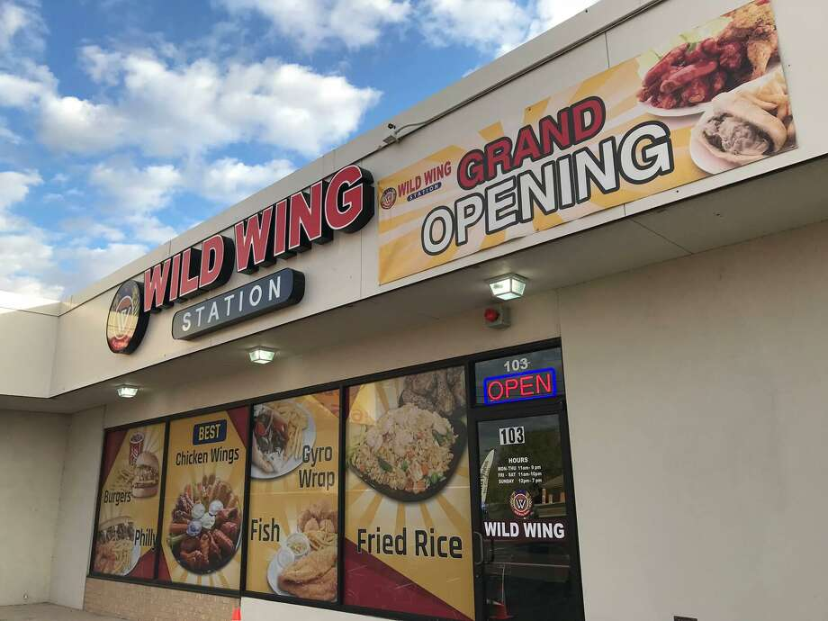 New Chicken Wing Chain The Wild Wing Station Opens In San Antonio