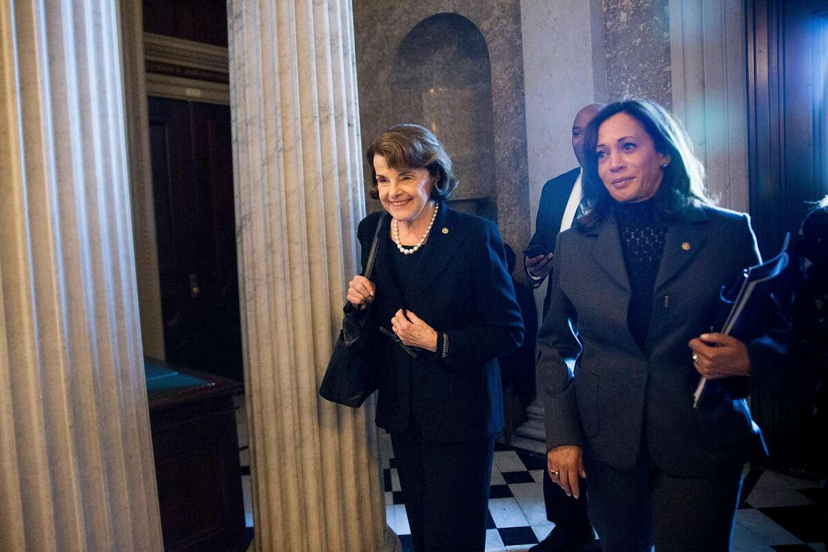 Senators Dianne Feinstein (D-Calif.), left, and Kamala Harris (D-Calif.) on Capitol Hill in Washington, Jan. 9, 2018. Feinstein has unilaterally released a transcript of the Senate Judiciary Committee's interview with one of the founders of the firm that produced a dossier outlining Russians effort to aid the Trump campaign. (Erin Schaff/The New York Times)