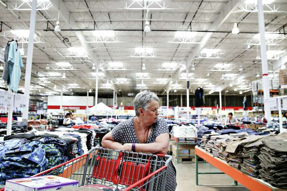 At traditional wholesale clubs like Costco and Sam's Club, the demographic skews older, with baby boomers and seniors making up the majority of members. Photo: Daniel Acker, Bloomberg News / © 2016 Bloomberg Finance LP