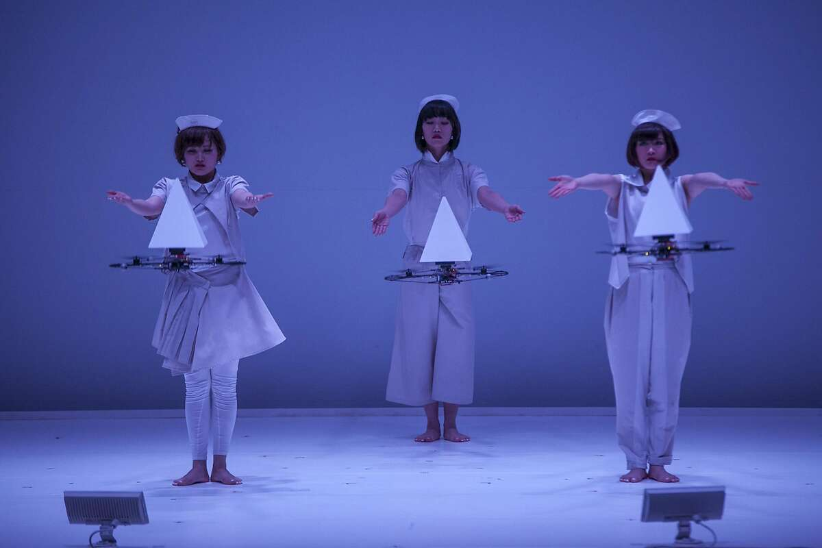 Japanese multimedia dance troupe Elevenplay utilizes light and technology to produce stunning visuals during a performance. Elevenplay brings its brand of tech-infused performance art to San Jose on Jan. 27. Photo courtesy of Elevenplay
