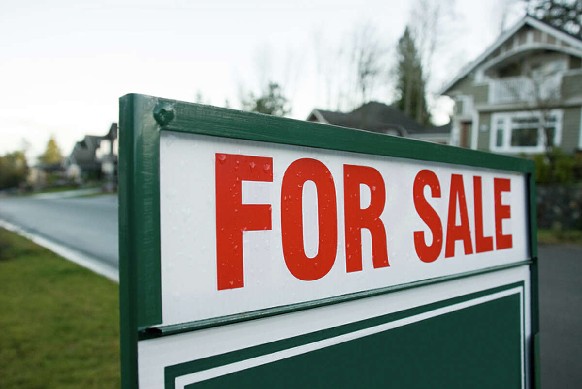 Scroll through the gallery to see the 2017 median sale prices for homes in 23 Washington counties. The counties are listed in alphabetical order.