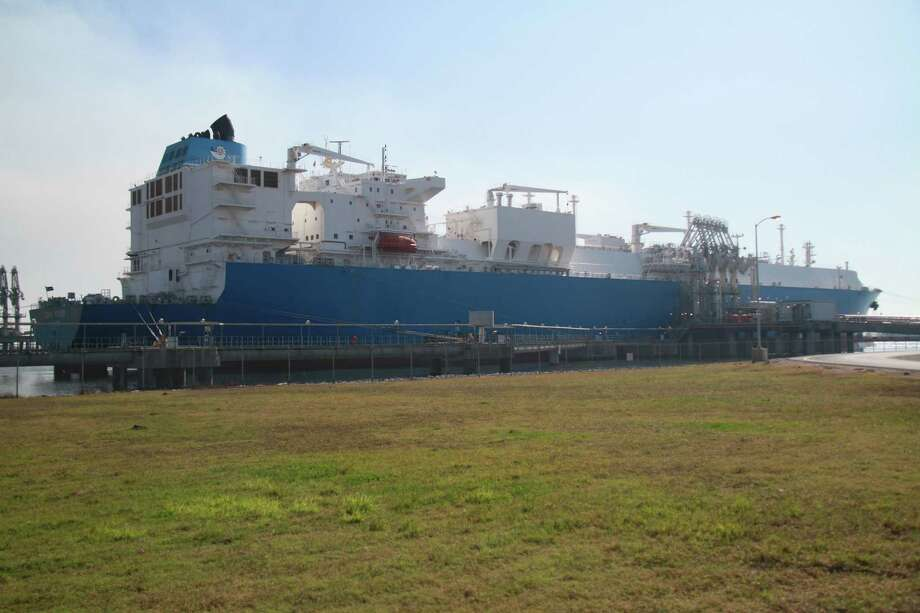 Dynagas' Lena River liquefied natural gas carrier is docked at Cheniere Energy's Sabine Pass terminal to pick up about 155,000 cubic meters of LNG en route to India. Photo: Ray Fisher