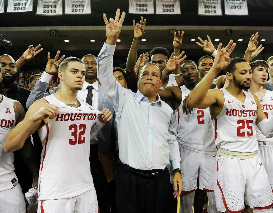 The Houston Cougars already have one marquee victory on their NCAA Tournament resume. This week they hope to add another when they host Cincinnati. Photo: Eric Christian Smith, Associated Press / FR171023 AP