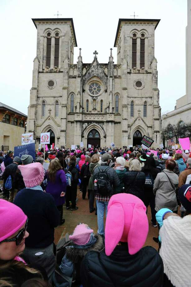 "About 500 people according to organizers gathered at Main Plaza to take part in the second annual Women's Rally on Saturday, Jan. 20, 2018. The message of the event hosted by TX23 Indivisible, was clear and decisive as speaker after speaker implored those in attendance that women's voices were not be silenced and to vote in upcoming elections. ""When women vote, we win,"" said Cassandra Littlejohn, Bexar County Democratic Party Political Director. Toward the end of the two-hour rally, a brief march around Main Plaza came together as the event concluded. Photo: Kin Man Hui, San Antonio Express-News / ©2018 San Antonio Express-News"