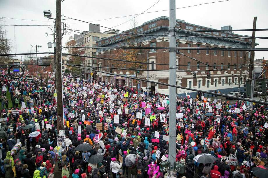 The intersection of Harvard and Pine is filled with thousands as the Seattle's Women's March 2.0 gets started on Saturday, Jan. 20, 2018. Photo: GRANT HINDSLEY, SEATTLEPI.COM / SEATTLEPI.COM