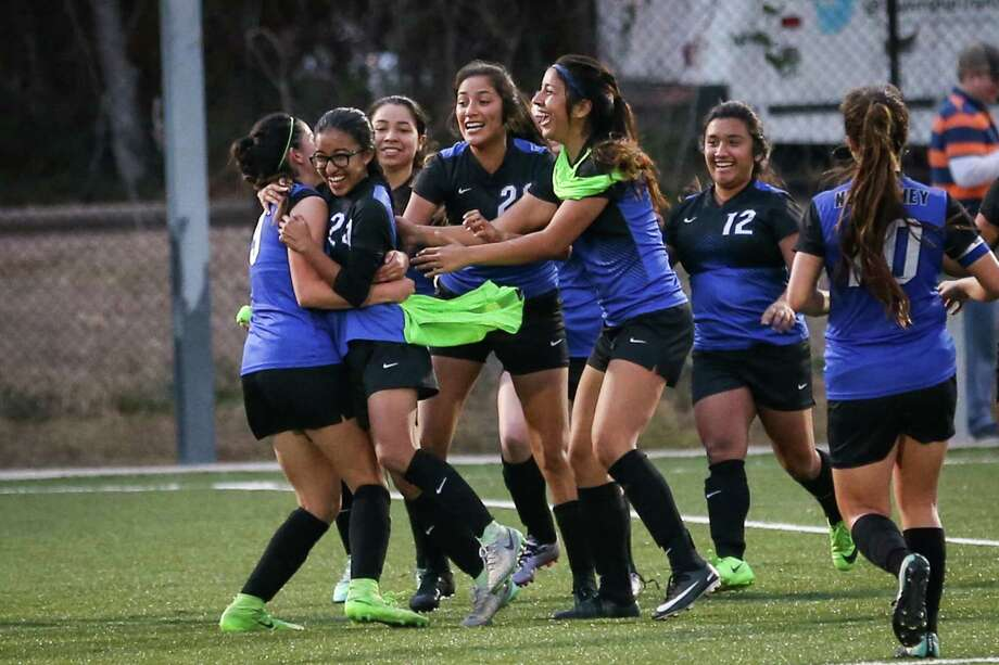 The New Caney Eagles celebrate winning the girls soccer game against College Park on Saturday, Jan. 20, 2018, at the Gosling Sports Complex. (Michael Minasi / Houston Chronicle) Photo: Michael Minasi, Staff Photographer / © 2017 Houston Chronicle