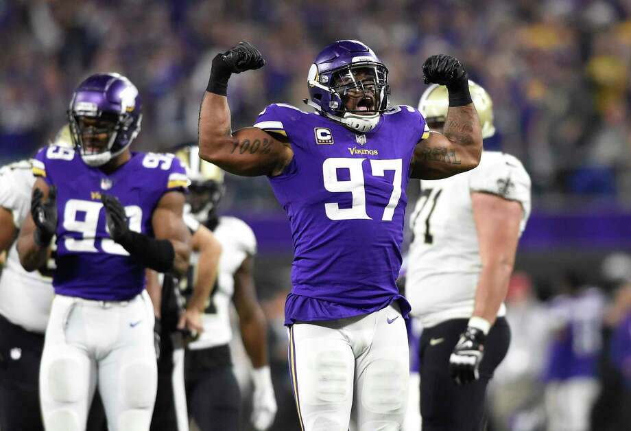 MINNEAPOLIS, MN - JANUARY 14: Everson Griffen #97 of the Minnesota Vikings celebrates after sacking Drew Brees #9 of the New Orleans Saints in the second quarter of the NFC Divisional Playoff game on January 14, 2018 at U.S. Bank Stadium in Minneapolis, Minnesota. (Photo by Hannah Foslien/Getty Images) Photo: Hannah Foslien / 2018 Getty Images