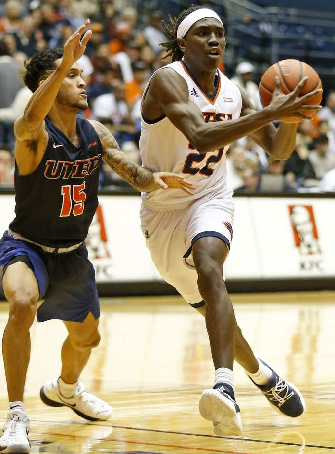 UTSA guard Keaton Wallace (22) looks to pass around UTEP guard Kobe Magee (15) during first half action Saturday Jan. 20, 2018 at the UTSA Convocation Center. Photo: Edward A. Ornelas, Staff / San Antonio Express-News / © 2018 San Antonio Express-News