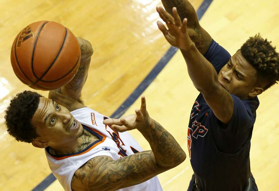 UTSA guard Deon Lyle (1) grabs for control of the ball against UTEP guard Evan Gilyard (3) during second half action Saturday Jan. 20, 2018 at the UTSA Convocation Center. UTSA won 65-61. Photo: Edward A. Ornelas, Staff / San Antonio Express-News / © 2018 San Antonio Express-News