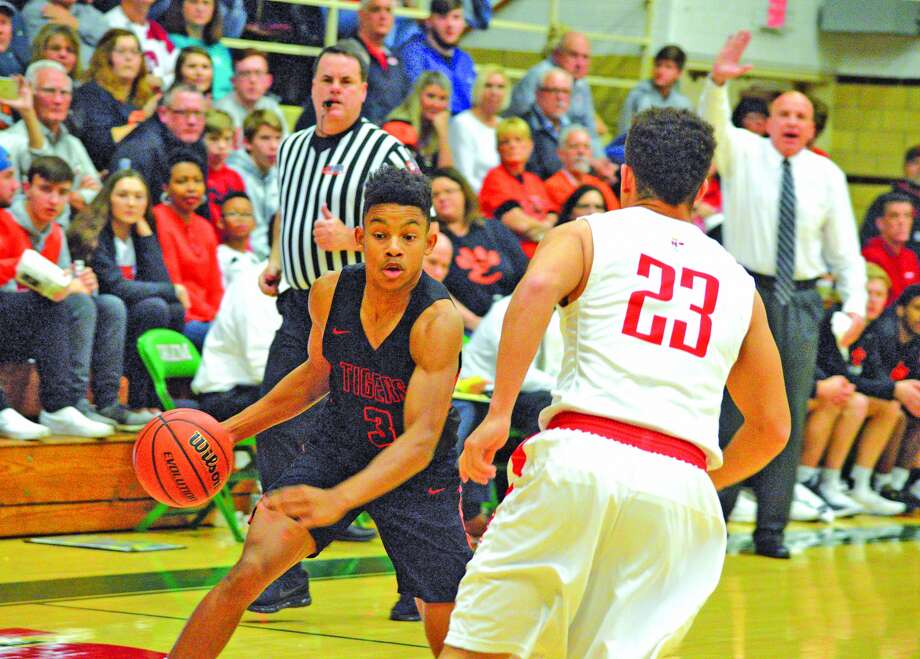 BOYS BASKETBALL EHS falls to Orphans in title game The