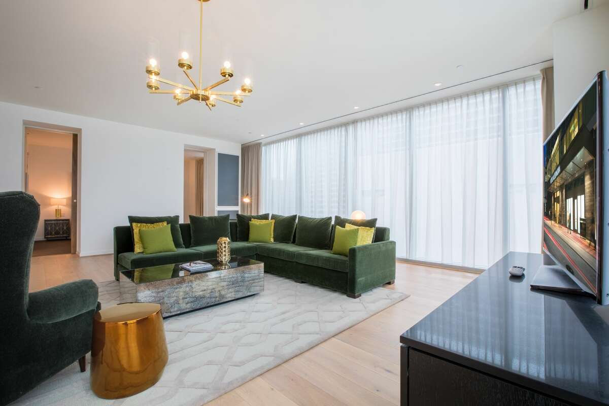 The 1,600-square-foot Presidential Suite at Hotel Alessandra features floor-to-ceiling windows, a wet bar, full dining area, a private entrance, and other amenities.