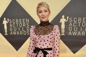 LOS ANGELES, CA - JANUARY 21: Actor Kate Hudson attends the 24th Annual Screen Actors Guild Awards at The Shrine Auditorium on January 21, 2018 in Los Angeles, California. 27522_007 (Photo by Kevin Mazur/Getty Images for Turner Image)