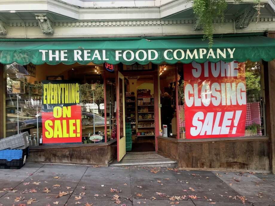 Real Foods Fresh Organics in Cole Valley (1032 Stanyan St. at Carl), soon to be closed. Photo: Walter Thompson/Hoodline