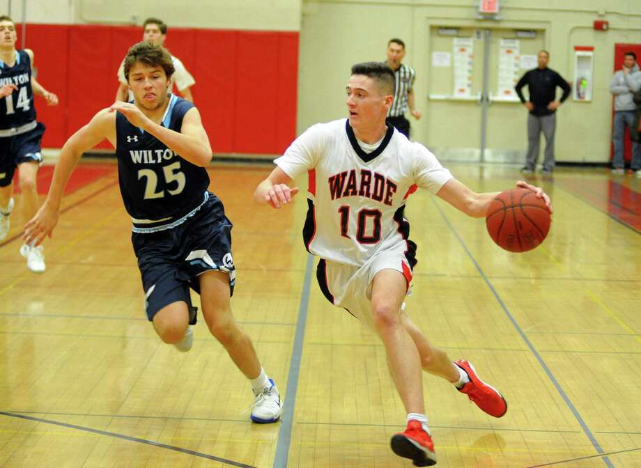 Sean Conway (10) and 7-2 Warde travel to New Canaan on Tuesday night. Photo: Christian Abraham / Hearst Connecticut Media / Connecticut Post