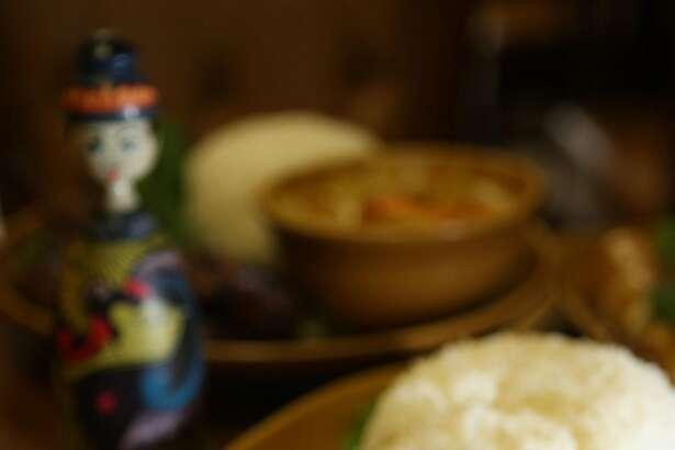Cashew chicken at Bang San Thai Cuisine in San Francisco, Calif., on Tuesday, March 25, 2008.    Photo by Liz Hafalia / San Francisco Chronicle
